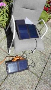 Solarzellen 11W und 7W parallel über Y-USB Kabel parallel geschaltet.